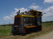 fiji_train.jpg (25443 bytes)